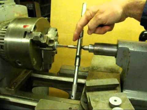 MACHINE SHOP TIPS #3 Tapping tubalcain