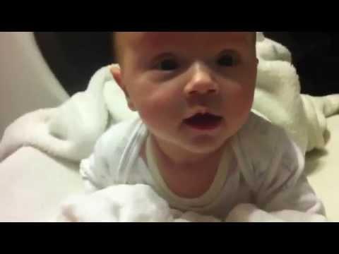 بالفيديو : عند غياب الام ماذا يحدث للاطفال ههههه