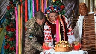 В Житомире поженились санитарка из Нацгвардии и Айдаровец