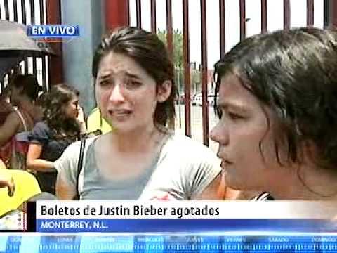 Niñas lloran por no tener boleto para Justin Bieber