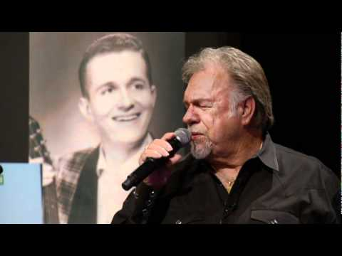 Gene Watson - When A Man Can't Get A Woman Off His Mind.