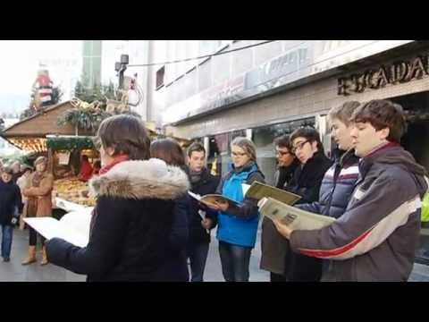 Adventszeit auf dem Weihnachtsmarkt Stuttgart | Journal Reporter
