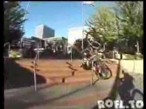 Momente amuzante cu biciclisti