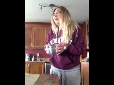 فيديو: مراهقة مخدرة تخوض تحدي الثلج وتحصد مليون مشاهدة