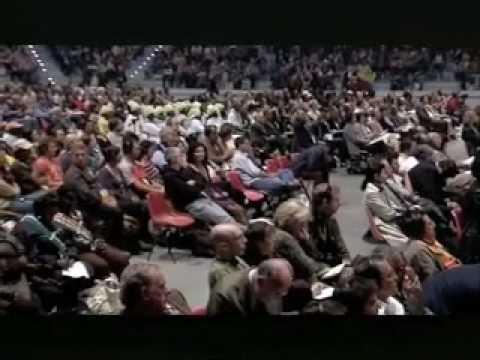 Terra Madre 2008 - Discorso di apertura di Vandana Shiva Pt. 1