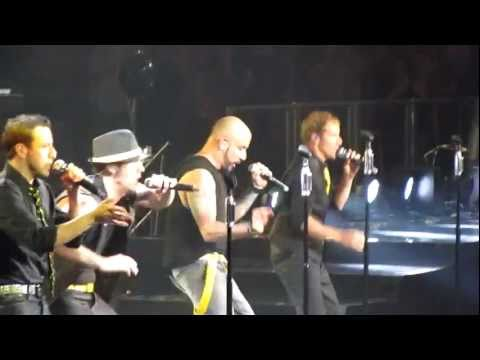 [HD] NKOTBSB - Quit Playing Games (With My Heart) - Toronto Air Canada Centre ACC - June 8 2011
