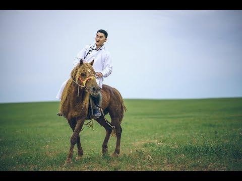 """Н.Ундралын шинэ уран бүтээл """"Сайхан ч юмдаа монгол хүн болж төрөх"""""""
