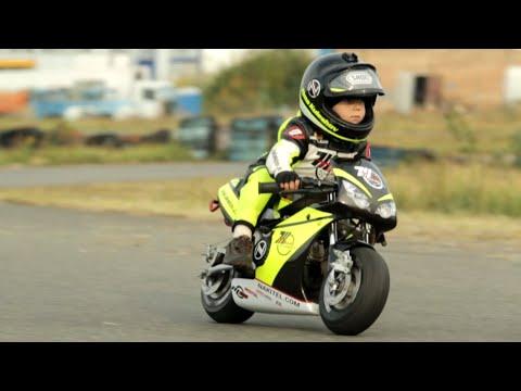 2 настай Мотоциклчин хүү