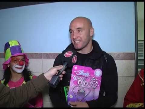 Jugadores de Patronato entregaron juguetes en el hospital San Roque