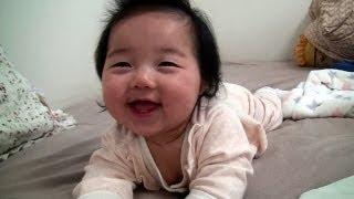 Wow It's mom, but I'm sleepy (와~ 엄마다 근데 졸려) view on youtube.com tube online.