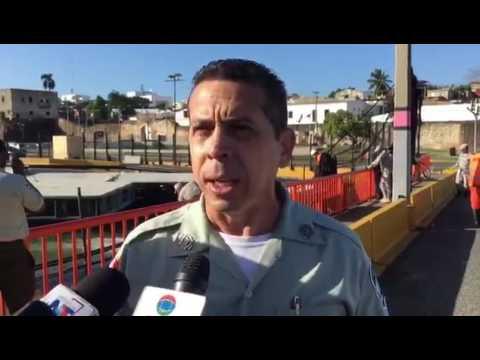 Dos carriles del puente flotante fueron habilitados por equipo del Ministerio de Obras  Públicas, luego de que en la mañana de hoy fuera cerrado por una avería.