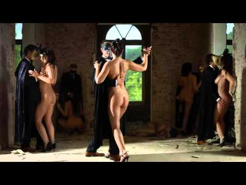 Голые танцы фото и видео