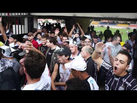 Torcida unionista saindo do Estádio Walter Ribeiro
