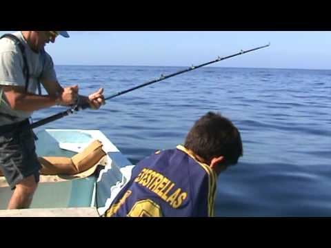 El MIno pesca un Jurel en Bahia Asuncion