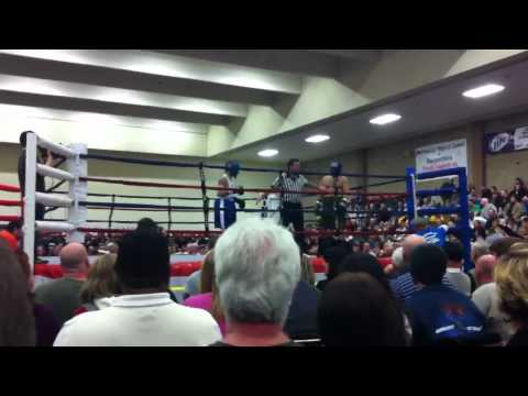 Chris Prophet (Ironworker Local 401) vs Carpenter - Union Boxing