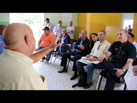 Presidente Danilo Medina realiza visita sorpresa a productores de Azua.