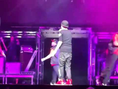 Justin Bieber sufrió ataque de risa en pleno concierto