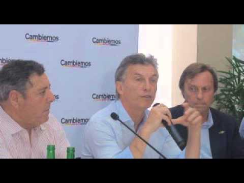 <b>Macri en Paran�.</b> Prometi� obras y trabajar &#8220;codo a codo&#8221; con Bordet