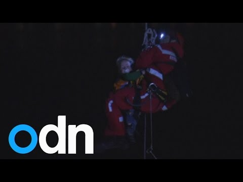 Dramatic rescue of German family trapped in cable car