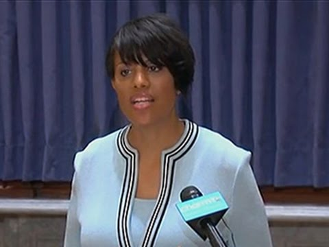 Baltimore Mayor Asks DOJ to Investigate Police