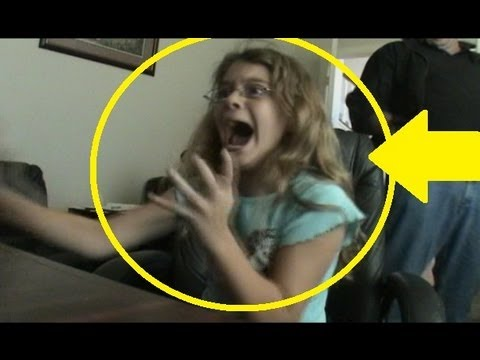 Best scary maze prank -she has a funny reaction caught on video!