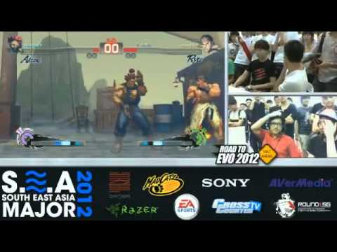 Daigo Umehara (Ryu) match in SE Asia Major 2012 -LIiBIXld5Oo