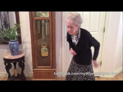 90-Year-Old Grandma Dances to Whitney Houston - I Wanna Dance with Somebody