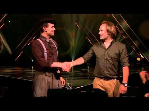 Helt Magiskt - Charlie Caper och Ola Skinnarmo - Mynt i glas