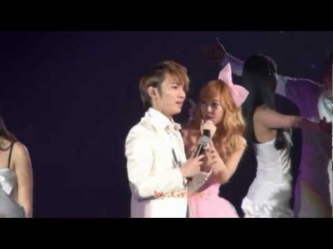 [Fancam]100417Jessica (SNSD)&Key (SHINee)- Barbie Girl @1st Asia tour in Shanghai