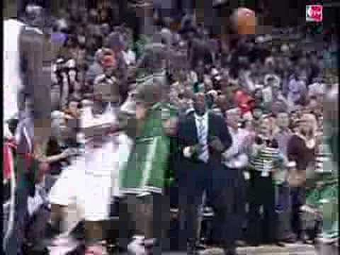 Ray Allen with the amazing buzzer-beater three for the win! -LvdJoT18nAs