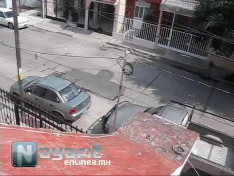 Vecinos graban operativo policiaco tras balacera en Tepic