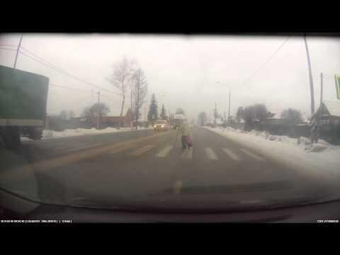 Фура улетела в кювет - Ленинградское шоссе, д.Ямуга.