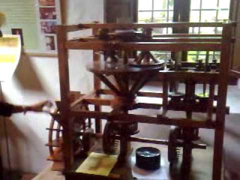 Mulino Mora bassa Vigevano - mostra macchine funzionanti di Leonardo da Vinci