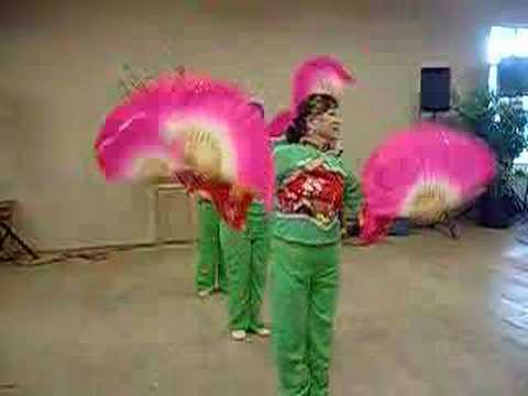 Chinese Fan Dance -MEUbW2lQ-K0