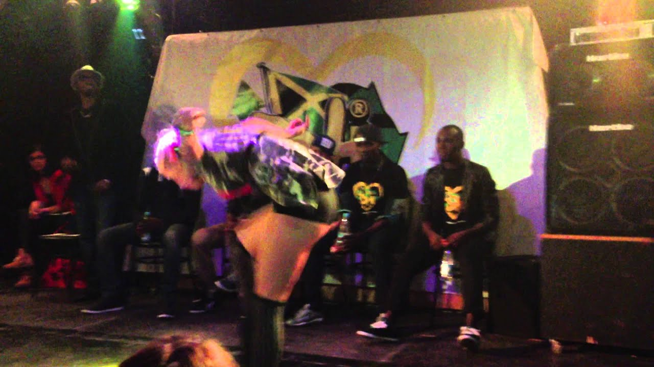 BOOTY DANCE Battle Fraules (3d girl) - Dancehall International 2013 Moscow