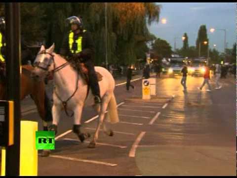 Fresh video of London riots: Crowd street rampage