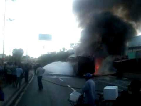 Ônibus incêndiado no protesto vale transporte em Teresina Piaui na João XXIII