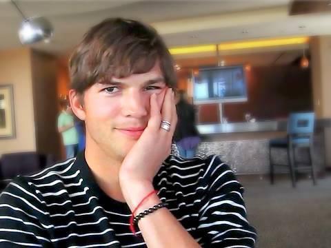 Ashton Kutcher interview - Spread movie premiere in Las Vegas!!