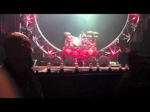 TOMMY LEE'S ROLLER COASTER 360 DRUM SOLO - MOTLEY CRUE 2011 Tour