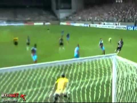 Increible Gol de Ronaldinho - Atletico Mineiro vs Arsenal 5-2 Copa Libertadores 3 04 2013
