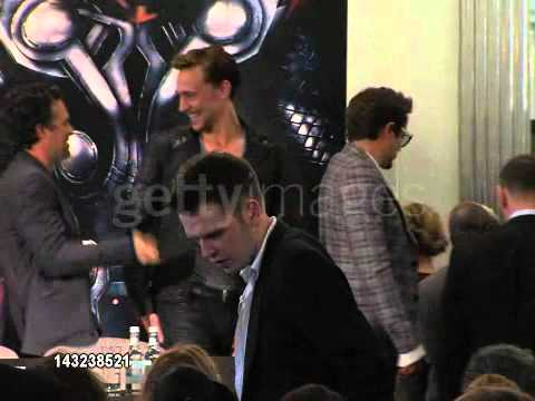 Mark Ruffalo hugging Tom Hiddleston