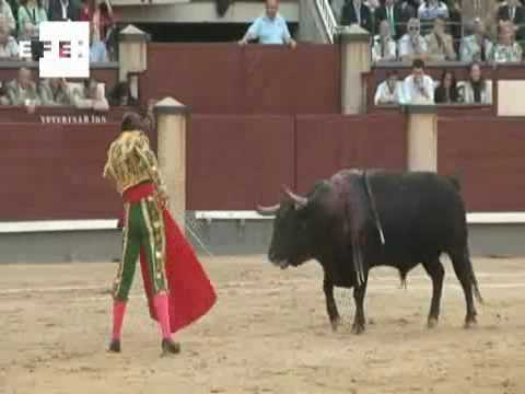 Padilla regresa a Las Ventas con una faena ovacionada