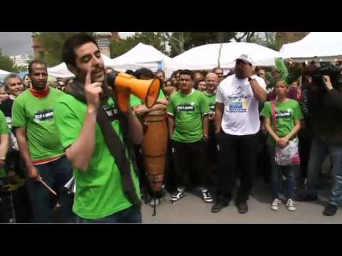 Flashmob en Barcelona para pedir la deforestación cero en la Amazonia