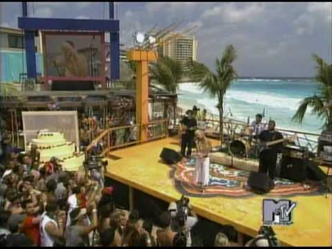 Jessica Simpson - Take My Breath Away (Live @ Mtv Spring Break 2004)