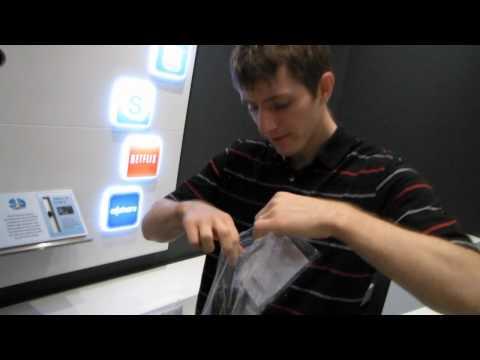 Samsung UN60D8000 60 3D 1080p Smart LED HDTV Unboxing & First Look Linus Tech Tips