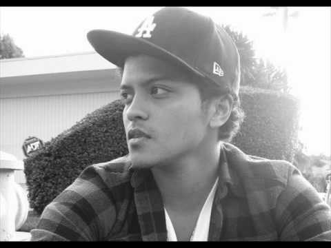 Bruno Mars feat B.o.B & Cee-Lo - The Other Side (Lyrics&Download)