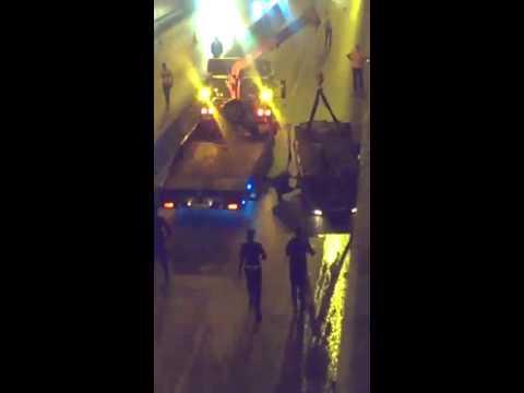 بالفيديو:  حادث سير في نفق الدوار السابع بالعاصمة عمان
