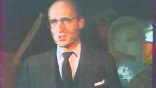 Pod Egidą - Piotr Fronczewski - Czym różni się kobieta od mężczyzny? {szort}