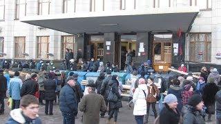 В центре Житомира строят баррикады