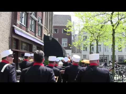 Plu-tjes parade- Rue D'Anvers Jazz Breda 2012.wmv